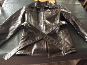 Manteau en cuir veritable pour femme brun grandeur small