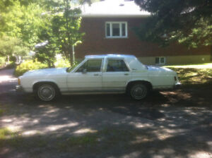 1987 Ford Crown Victoria LTD Sedan