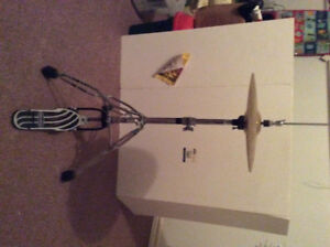 Drum pedal with cymbals