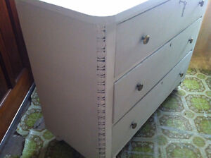 Vintage Buffet Side Table...beautifully ornated corners... London Ontario image 4