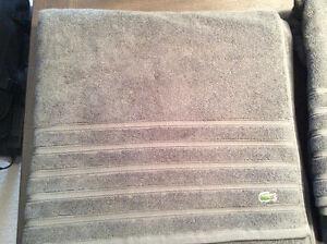 New Lacoste Croc Solid Bath Sheets Colour Cliff