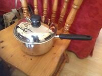 Stainless steel cooking pan in superb condition. Durable and deep with lid. Still available