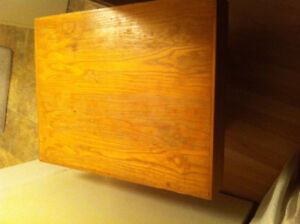 Wood coffee table $25 Belleville dimensions in ad
