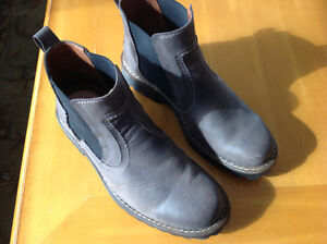 AS NEW MENS JOSEF SEIBEL CHELSEA BOOTS - MUST SELL