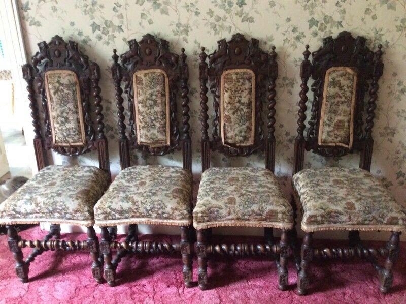 Antique Carved Oak Gothic Victorian Chairs. - Antique Carved Oak Gothic Victorian Chairs. In Liskeard, Cornwall