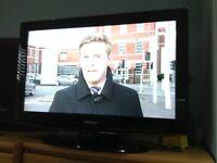 """32""""SAMSUNG LCD TV BLACK GLOSS HD"""