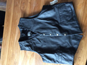 Men's leather riding vest