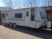 Camper Trailer Priced to Sell!!! Approx 26 ft