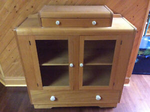 Beautiful Maple Cabinet - Great Condition!