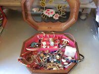 Jewellery box full of costum jewellery
