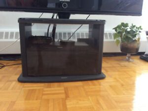 Wow!!!Sony tv table moving sale