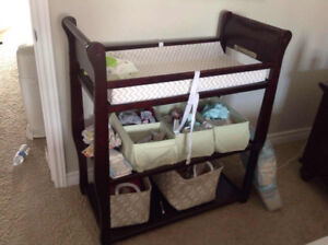 Graco changing table/changing table pat