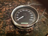 Harley OEM speedometer less than 500kms 2004 and up