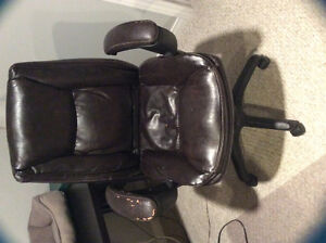 Free - Desk Chair. **pending pick up**