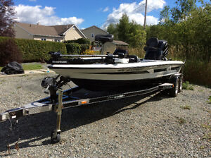 Legend LE-21 Dual Console 225HP Bass Boat