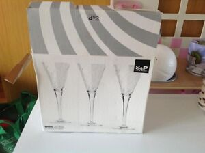Brand New Salt & Pepper Twist & Shout Set of 6 Wine Glasses Canada Bay Canada Bay Area Preview