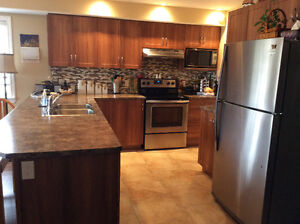 Luxurious 2 bedrm unit in heart of ORLEANS! Available JULY 1