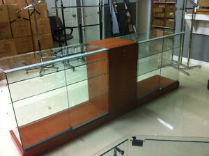 GLASS DISPLAY, SHOWCASES, MANNEQUINS, COUNTER, OPEN SIGN