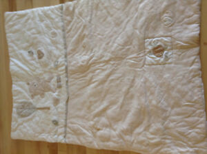 Crib bedding for sale - Dieppe.
