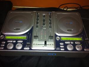 Stanton CM.203 DJ CD Mixer