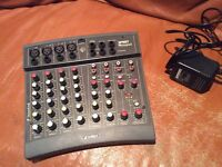 Soundcraft Spirit Notepad, 10 inputs mixer / mixing desk w/power supply