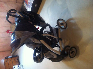 Graco Travel System- Price Reduced