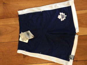 New! NHL Toronto maple leafs shorts. Size 6X (7)