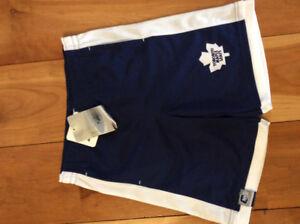 New! NHL Toronto maple leafs shorts. Size 6X (7)