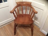 Pine elbow chair