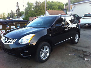 Nissan Rogue SUV AWD low mileage (60000Km)