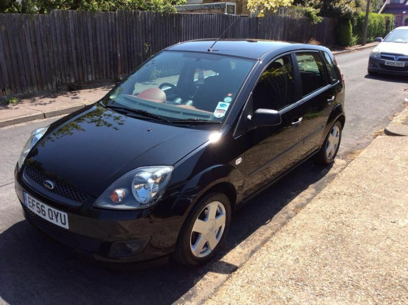 ford fiesta 1 4 2006 5my zetec climate in benfleet essex gumtree. Black Bedroom Furniture Sets. Home Design Ideas