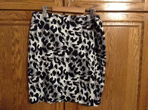 Skirt Size 14 knee length, lined