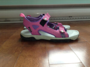 Excellent condition hiking/walking sandals