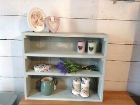 Shabby chic shelves