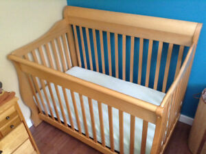 Sleigh Bed Crib with Organic Cotton Mattress