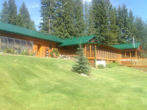 Shared accommodation available in furnished home in Bragg Creek