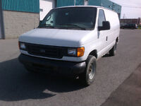 2006 Ford E250 Gris Fourgonnette, fourgon