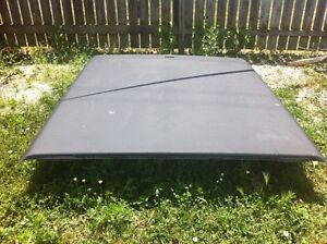 6 ft Leer hard cover off a 2000 F150 fits others