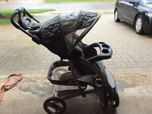 Graco Travel System - SnugRide 30 car seat & stroller Cambridge Kitchener Area image 5