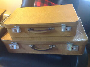 "VINTAGE ""VICTOR"" BRAND LEATHER LUGGAGE SET ~ CIRCA 1920'S/30's"