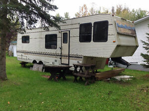 33 Foot 5th Wheel for sale