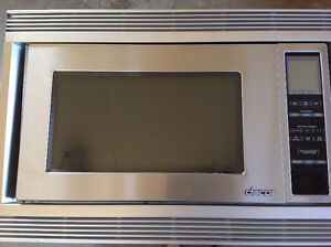 """Dacor 2.0 cuft stainless microwave with built in 27"""" trim kit"""