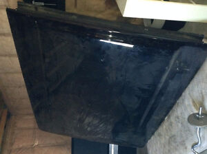 LEER Tonneau cover from a Ford F250 Long box