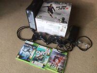 Xbox 360 Slim 250Gb 2 wireless controllers 3 games incl FIFA