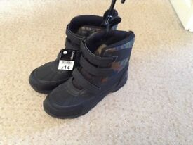 MENS/BOYS BOOTS SIZE 6 BRAND NEW WITH TAGS
