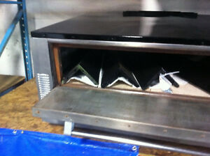 GARLAND 5ft. Natural Gas Stone Pizza Oven Edmonton Edmonton Area image 3