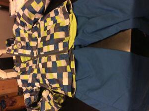 Manteau de printemps et pantalon