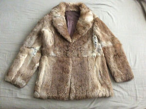 Manteau en fourrure de lapin 600euros