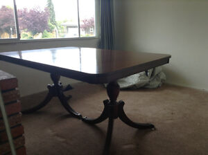 Mint Condition Duncan Phyfe dining set