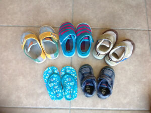 5pairs of baby shoes